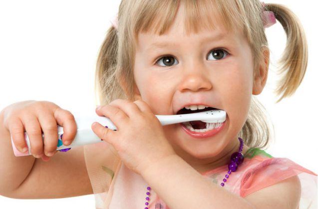 Il sorriso dei bambini italiani sempre più a rischio.